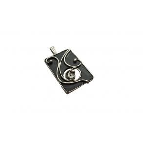 "Slate pendant with ""marble diamond"" mineral"